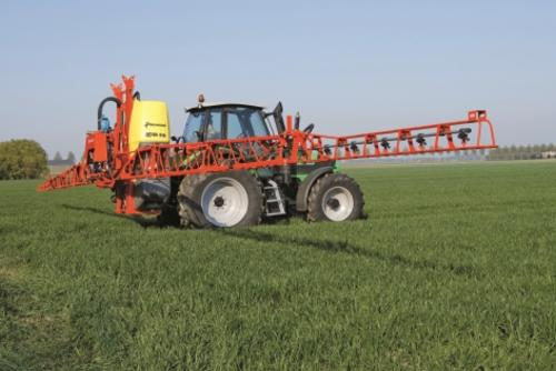 Boom Sprayers For Tractors : Kverneland ixter b mounted sprayers spraying equipment
