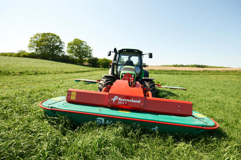 Front Mounted Disc Mowers Kverneland 2828 F - 2832 F - Ground Adaptation -  excellent cutting
